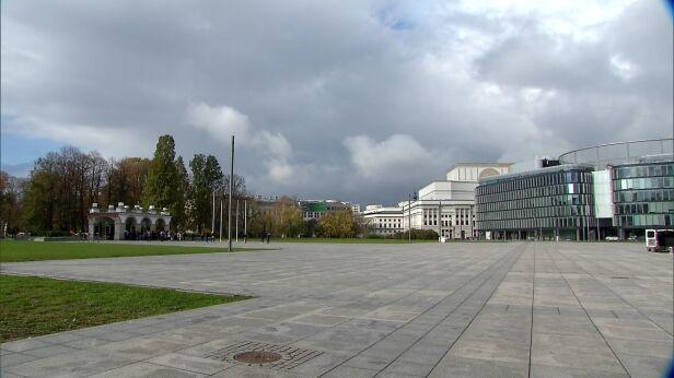 Plac Piłsudskiego (zdjęcie archiwalne) TVN24